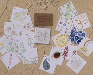 """[:pb]cartões DE/PARA flores/sorte 10 unidades 5 x 5cm[:en]10 flowers/luck gift-tags 2"""" x 2""""[:]"""